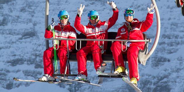 Team-Schweizer-Skischule-Kleine-Scheidegg-Chairlift.jpg
